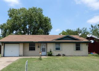 Grand Prairie Cheap Foreclosure Homes Zipcode: 75052