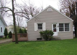 Weyauwega Cheap Foreclosure Homes Zipcode: 54983