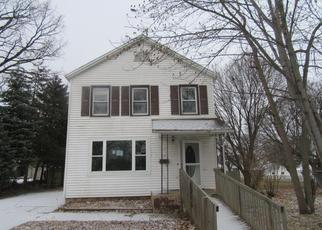 Foreclosure in Maquoketa 52060  S PROSPECT ST - Property ID: 4104905