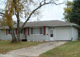 Oelwein Cheap Foreclosure Homes Zipcode: 50662