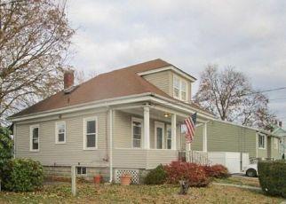 Cranston Cheap Foreclosure Homes Zipcode: 02910