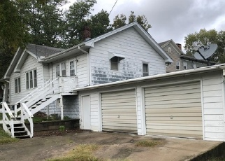 Foreclosure in Clarinda 51632  N 18TH ST - Property ID: 4331955