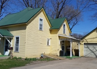 Pre Foreclosure in Washington 52353  S 2ND AVE - Property ID: 1095307
