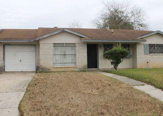 in San Antonio 78220  LONE OAK AVE - Property ID: 6319539